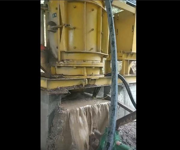 伸缩固定锤制砂机